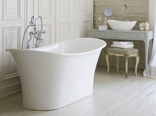 Modern classic - slipper bath