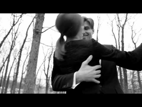 Olivia Palermo & Johannes Huebl Dancing in the Park