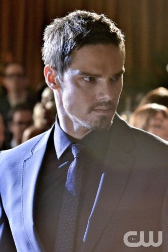 """Beauty and the Beast -- """"Liar Liar"""" -- Image Number: BB203a_0160b.jpg -- Pictured: Jay Ryan as Vincent -- Photo: Sven Frenzel/The CW -- © 2013 The CW Network. All Rights Reserved."""