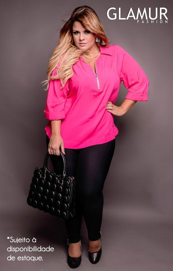 Fúcsia (pink) é a cor da beleza, do amor próprio, da sensualidade e delicadeza feminina, do romantismo, do amor terno e carinhoso. Preto é a cor do poder e da sobriedade, transmitindo a sensação de sofisticação e luxo. Esse look está lindo!