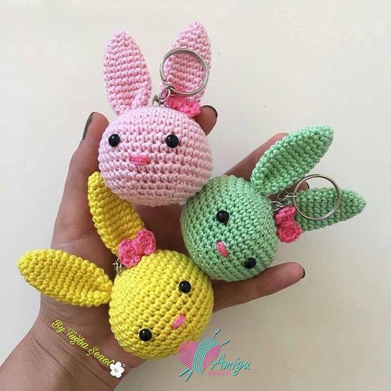 Bunny keychain amigurumi free pattern - Amigu World