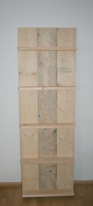 Keukenrek Staand : Een staand wandbord gemaakt van nieuw steigerhout. Geen gaten in de