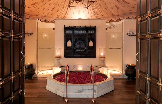 Passion For Luxury : RAMBAGH PALACE, JAIPUR