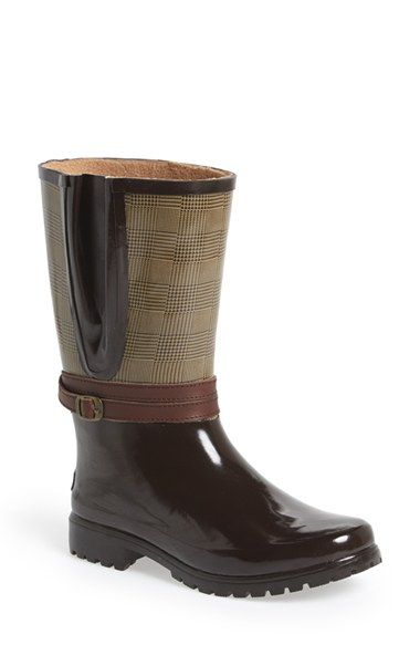 Free shipping and returns on Sperry Top-Sider® 'Shorebird' Rubber Boot (Women) at Nordstrom.com. Whether you're racing sandpipers at the shore or trying to avoid taxis splashing through the streets, these stylish, sipe-soled rain boots have got you covered.