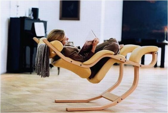 ultimate reading or gaming chair... the website described it as giving you the feeling that you're weightless.: Comfy Chair, Website Described, Balance Chair, Gaming Chair, Creative Design, Reading Chairs, Ultimate Reading