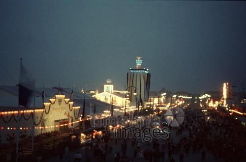 Oktoberfest HRath/Timeline Images #1958 #Wiesn #Nacht #Volksfest #Bayern #Fest