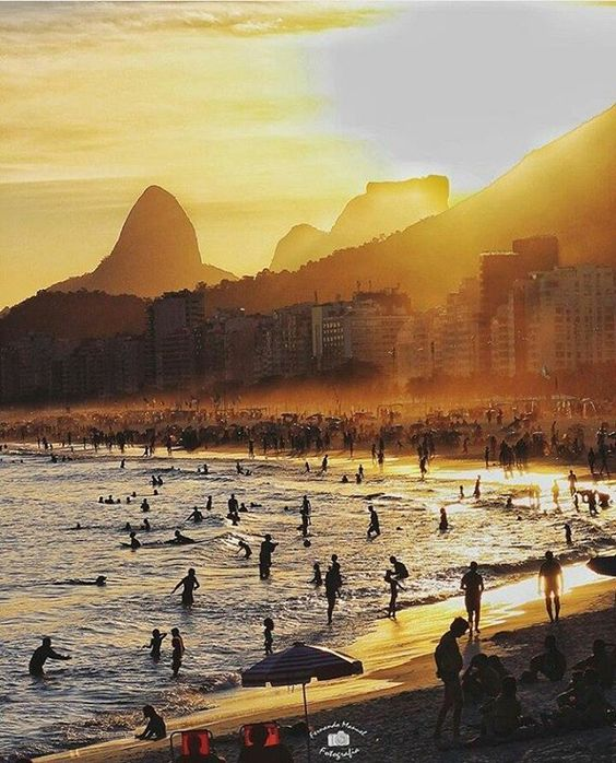 """A imagem fala por si só!  """"Eu moro onde você passa férias!"""" Show de click do @fernando_manuel  Bora aplaudir mais, que tá pouco!"""