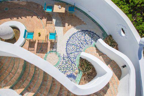ocean-tally-eleuthera-courtyard-2