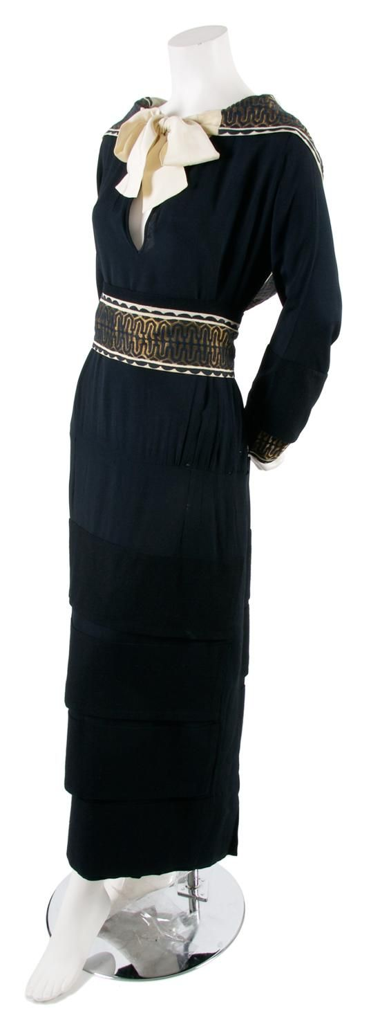a couture navy dress 1923 fit with a