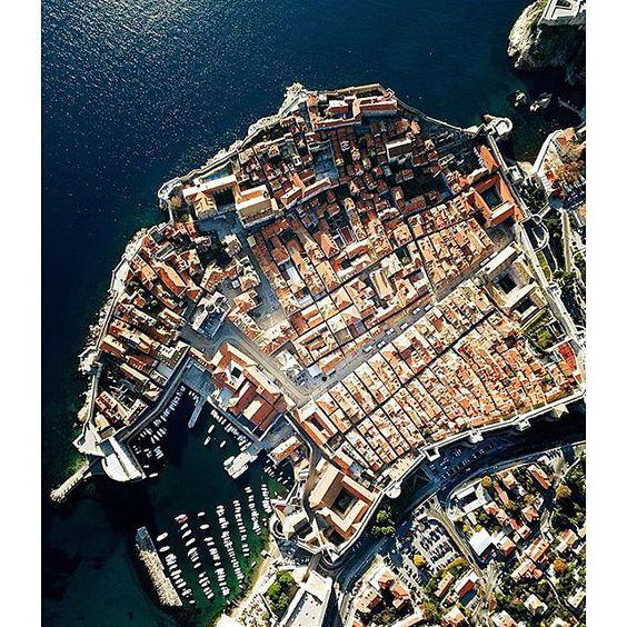 Ovi gradovi izgrađeni su planski, a iz svemira izgledaju - apsolutno nevjerojatno! - Page 4 82cf0cf9bc41dd70b310611cf777d17a