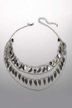 Be different with the Limited Collection multi-faceted bead & leaf shell necklace.