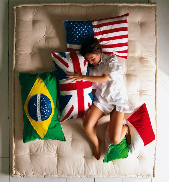 Sleeping with your country - not weird. - http://noveltystreet.com/item/14772/