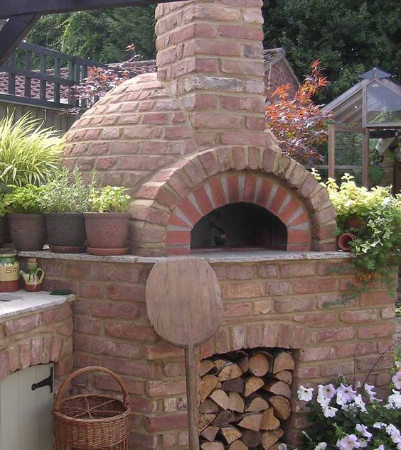 Outdoor Kitchen Made Of Wood: Brick Ovens/Cooking