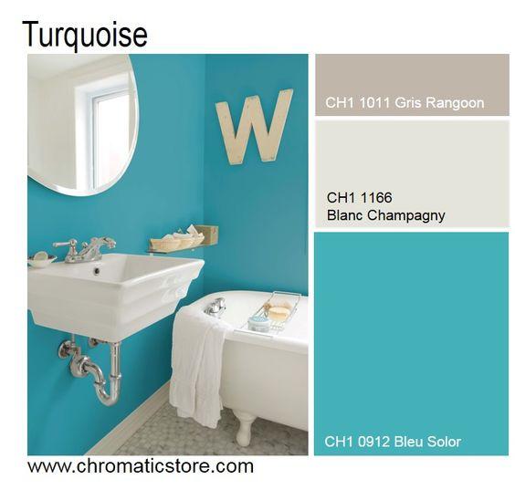 Dans la salle de bain, le bleu turquoise, particulièrement lumineux - salle de bain en bleu