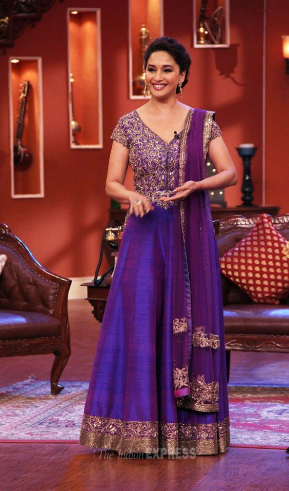 ... For > Sumona Chakravarti Hot In Comedy Nights With Kapil In Blue Dress