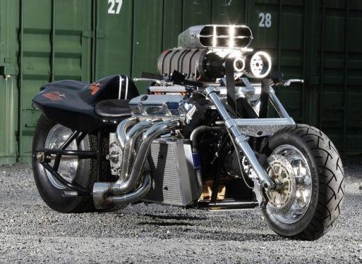 So Sollte Eine Boss Hoss Aussehen V8 Mopped Mit Kompressor Http