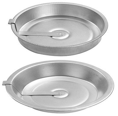 Remember these cake and pie pans? These were the best, I still have one of my Mother's