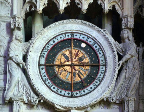 https://flic.kr/p/9vgPef | Chartres, Choir Screen Clock | smarthistory.org/Gothic.html