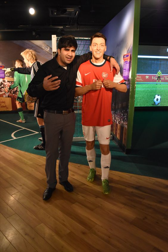 With Brother Ozil :D .. #Traveller #Berlin #Germany #MadameTussauds #EuroTrip