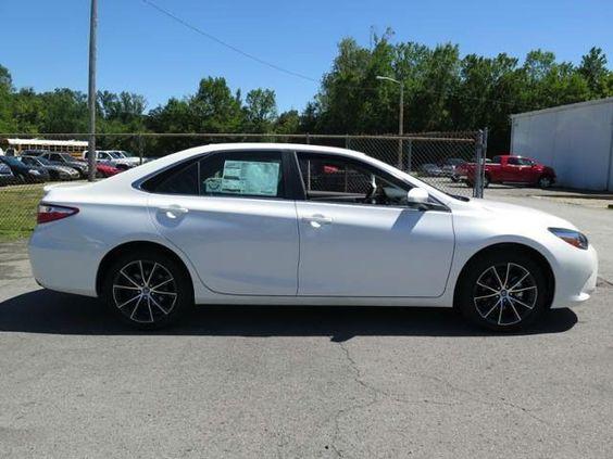 2016 Toyota Camry XSE White