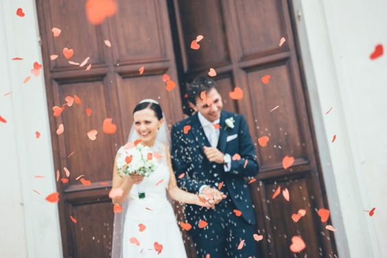 heart shaped confetti toss