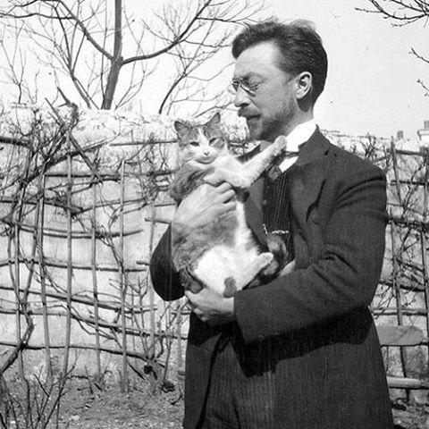 Kandinsky and his cat, Vaske