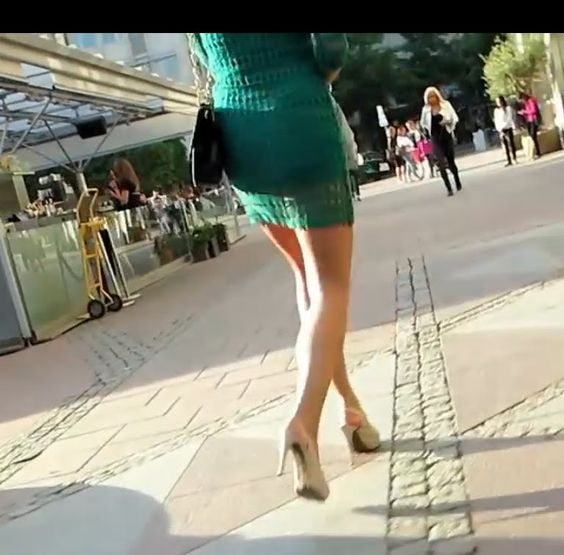 Amazing MILF in miniskirt & high heels