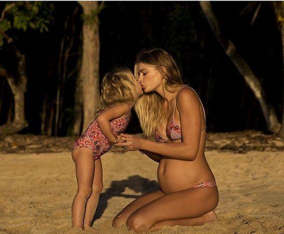 Momma bikini love ...pretty pregnancy snap