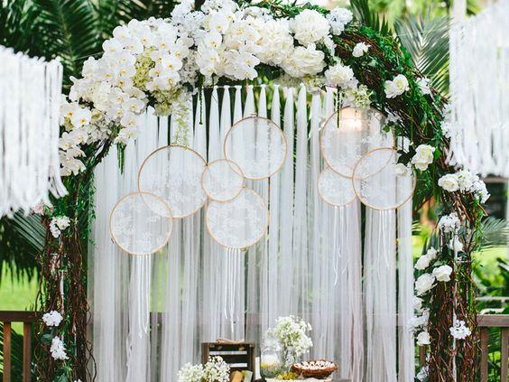 Phông cưới Dreamcatcher theo phong cách Bohemian #damcuoiphongcachBohemian #trangtritieccuoiphongcachboho