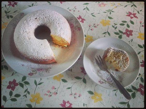 Bolinho de fubá veio pra agregar na hora do café!! Receitinha fácil la no blog segue o link: http://ift.tt/1Rup7lu #bolodefuba #feriado #cafe #receita #blog by deboracrodrigues http://ift.tt/1XAjDNe
