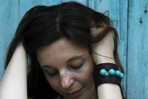 """Купить Кожаный браслет """"A little bit of heaven"""" - коричневый, кожа натуральная"""