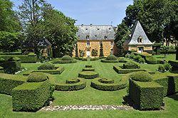 Jardins du Manoir d'Eyrignac ou Jardin de l'imaginaire à Terrason