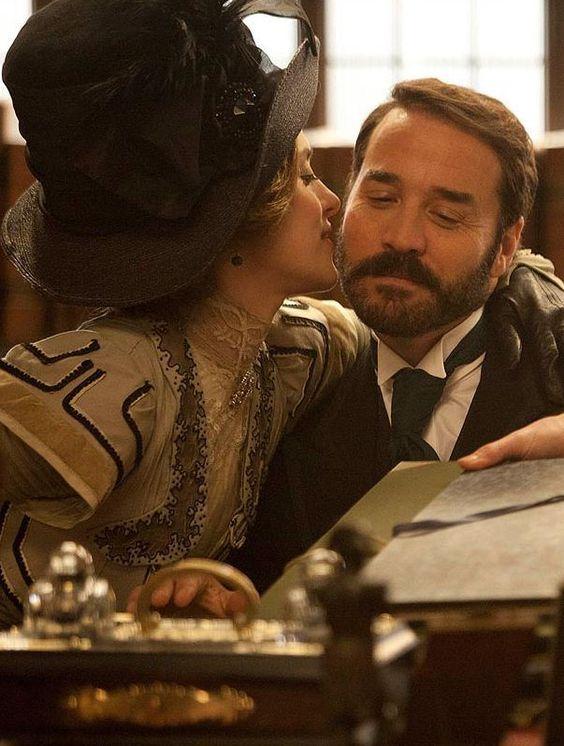 Zoe Tapper as Ellen Love and Jeremy Piven as Harry Selfridge in Mr Selfridge (TV Series, 2013).