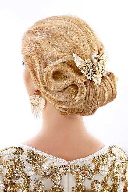 "Wedding handmade jewelry. Fair Masters - handmade brooch ""Golden Swan"". Wedding collection .. Handmade."