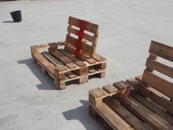 Kaubaalustest mööbel