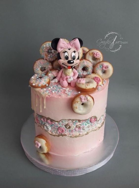 pink frosting, sprinkled donuts, easy minnie mouse cake, minnie cake topper, silver cake tray
