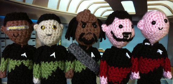 Crochet Star Trek TNG. Data's skin colour is perfect!