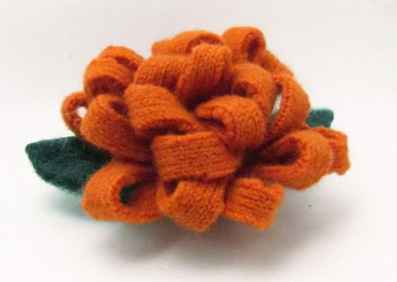 Felted sweater recycle: Flower Pin, Felting Galore, Sweaters Upcycled, Upcycled Felt, Felt Flowers
