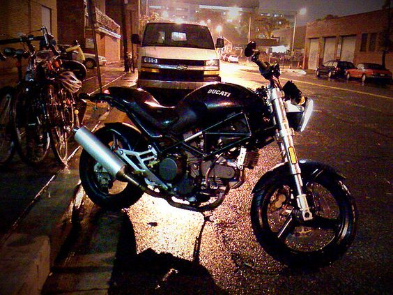 2000 Ducati Monster 750 Dark