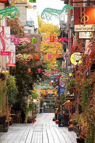 Rue du Petit Champlain, Quebec City, Canada Version Voyages, www.versionvoyage...