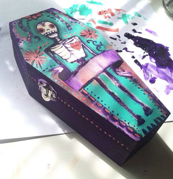 Custom coffin jewelry box  Dia de los muertos by AnissaBryant: http://www.etsy.com/shop/AnissaBryant