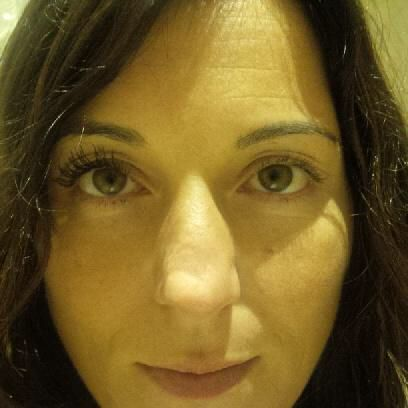 One of my beautiful customers Daniela.. One eye with the 3D fibre mascara and the other with no mascara... How beautiful is that ladies??