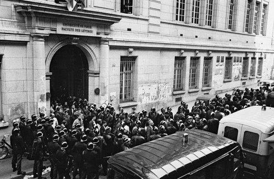 3 mai 1968 La #police évacue par la force 500 étudiants qui occupent la Sorbonne https://t.co/iYAOeou68l https://t.co/6KCOxbcACx