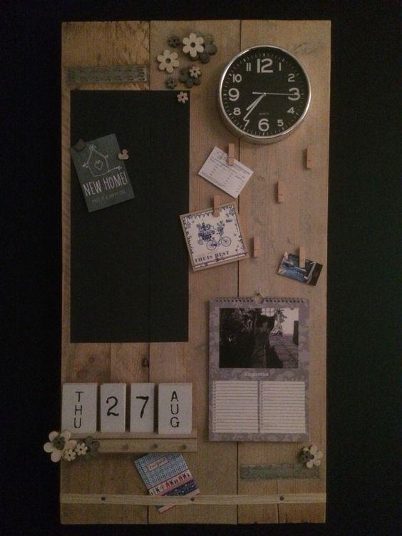 Memobord van steigerhout   Magneetbord | knijpertjes | klok | kalender | verjaardagskalender | memo | haakjes