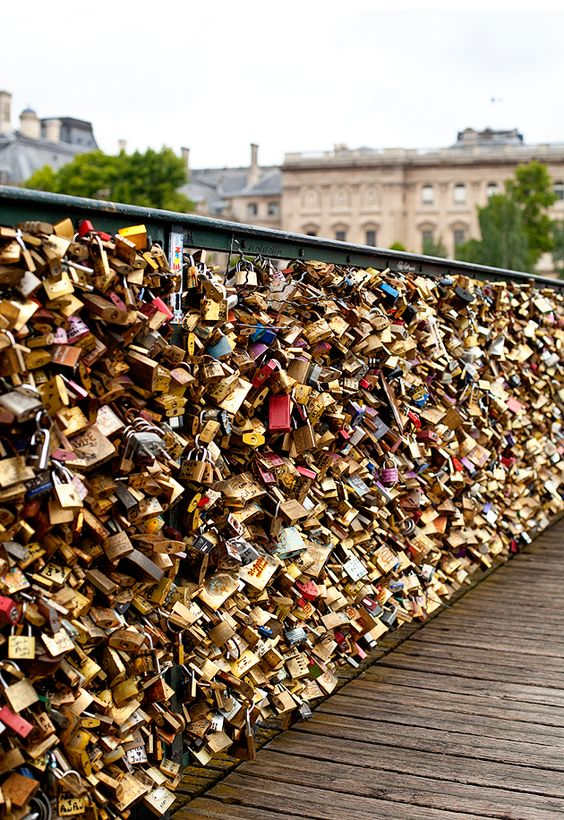 Love locks bridge in paris places pinterest love for Love lock bridge in paris