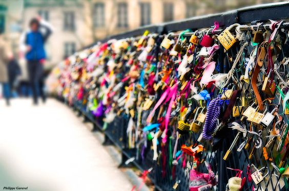 The Lovers Bridge in Paris. Couples attach a padlock to the bridge and throw the key into the river symbolizing their eternal love. This is now on my bucket list.: Bucketlist, Lover S Bridge, Favorite Place, Bridge, Bucket Lists