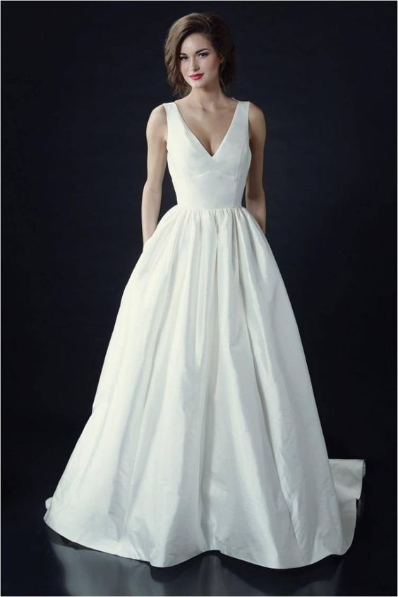 Vivienne Beau / Heidi Elnora Wedding Dresses 2014 , V-Neck Wedding Gown