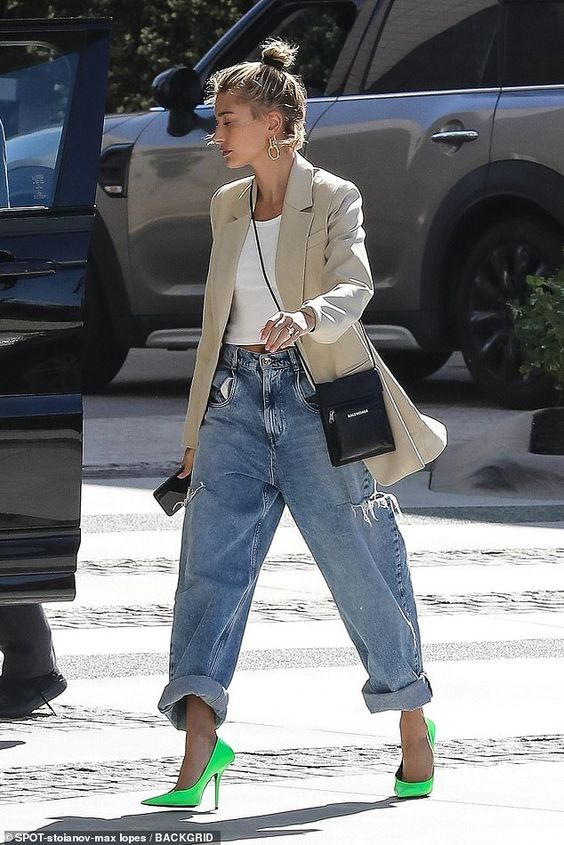 Stunner: And his wife Hailey Baldwin arrived in style to the Waldorf Astoria Hotel in Beve... #haileybaldwin