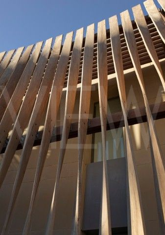 BRITISH EMBASSY ALGIERS ALGERIA MC ASLAN AND PARTNERS TWISTED TIMBER SCREEN CLOSE UP: