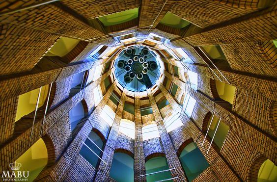 Der Französische Dom ist ein Kuppelturm, der zwischen 1780 und 1785 an die Französische Friedrichstadtkirche angebaut wurde. Diese war 1701 bis 1705 für reformierte Glaubensflüchtlinge aus Frankreich, die Hugenotten, errichtet worden. Häufig werden beide Gebäude gemeinsam als Französischer Dom bezeichnet. (Photo: Copyright @ MaBu Photography)